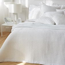 Riley Milk Cotton Coverlet