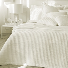 Riley Eggshell Cotton Coverlet